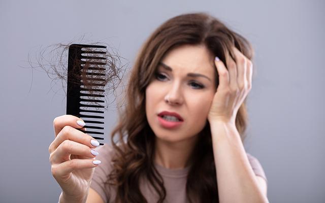 बालों के झड़ने